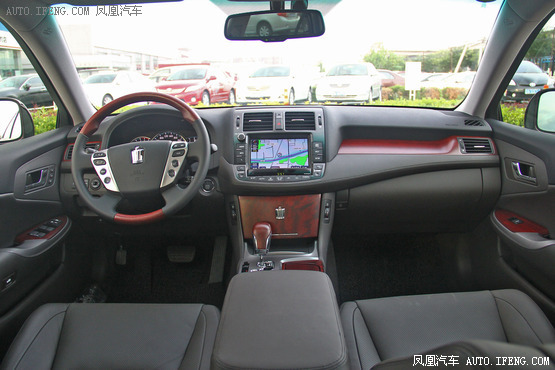 2012款 丰田皇冠 V6 3.0L Royal Saloon VIP