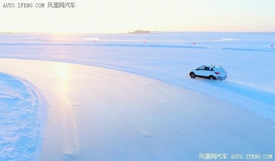 北汽新能源EX360官图 续航超300公里