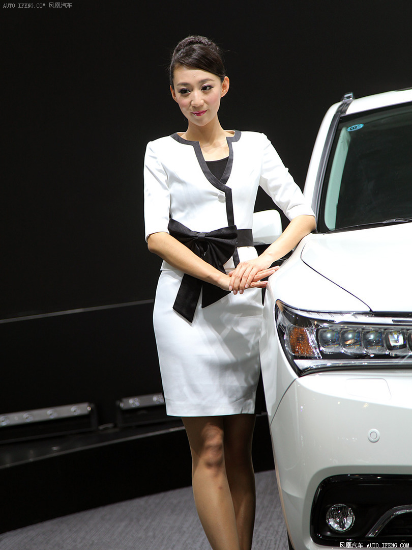 汽车图片 2013广州车展 模特 讴歌模特  查看大图