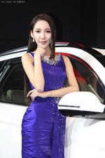 清新可人的美女车模 2013深港澳车展 美女车模