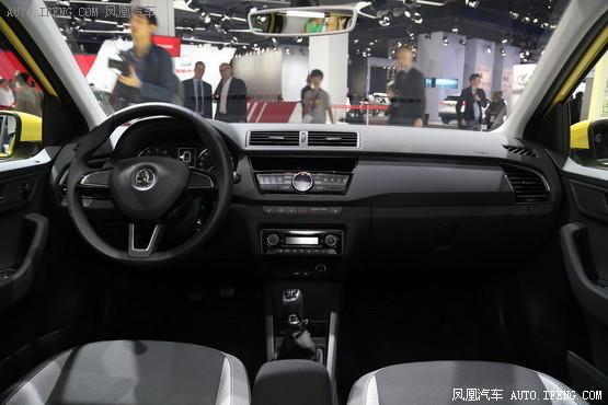 在动力上,新车将搭载多款发动机,其中包括1.0MPI发动机、1.2HTP发动机和1.4TDI发动机。另外,这款车也许还会搭载一台1.2TSI发动机。 编辑点评:斯柯达晶锐车型是斯柯达公司面向小型车市场推出的一款实力派车型。该车型拥有活力十足的外观设计、优秀的性能表现,深受年轻消费者的喜爱。全新斯柯达晶锐车型采用了斯柯达公司最新的设计风格,动力性能出色,值得期待。