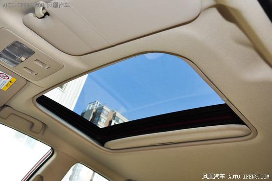 丰田致炫配备电动天窗-精确导购 11万配置全 精致合资两厢车高清图片