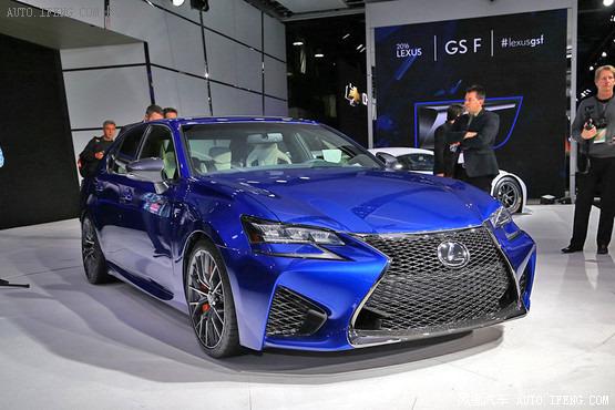 雷克萨斯gs f相比现款gs在前脸部分有较大变化,新车前大灯高清图片