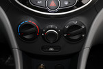 2014款 现代瑞纳 三厢 1.4L 手动顶级型TOP