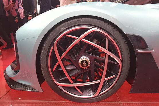 红旗S9概念车首发性能惊人的超跑0-100km/h加速仅需1.9秒
