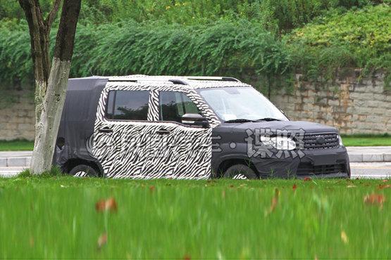 曝长安欧尚品牌全新SUV的路试谍照 采用7座布局