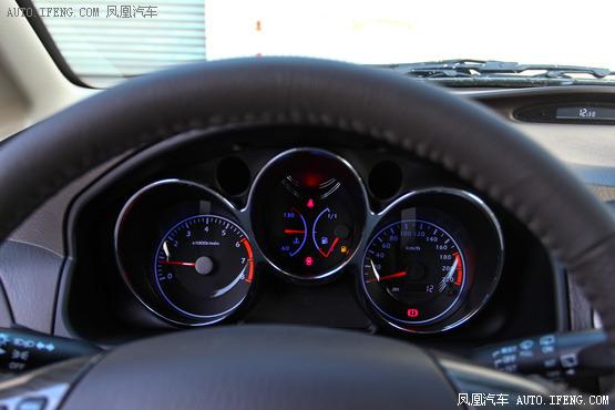2013款 海马普力马 1.6l 手动7座开拓版高清图片