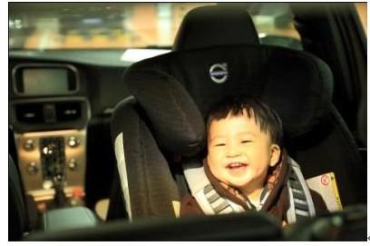 沃尔沃儿童安全座椅高清图片