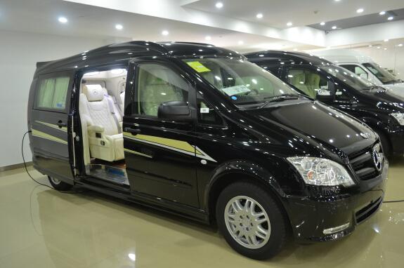 维达莱斯(价格及优惠400 090 8788)   奔驰维达莱斯4-7座多高清图片