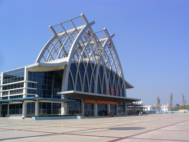 火车站扩建后,邵阳市民出行再也不用跑到离邵阳市区70km外的新邵