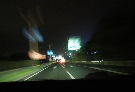 """为什么高速都不安装""""路灯""""?难道有路灯变的更危险?"""