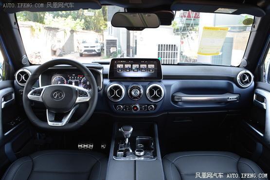 2018款 北京BJ40 PLUS 2.3T 自动四驱环塔冠军版