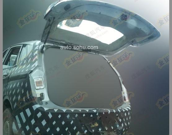 寶駿首款SUV最新諜照 或明年正式上市高清圖片